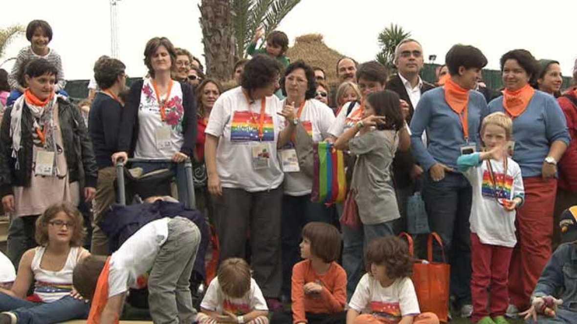 Más de 200 familias de 23 paises participan encuentro europeo de familias lesbianas, gays y transexuales