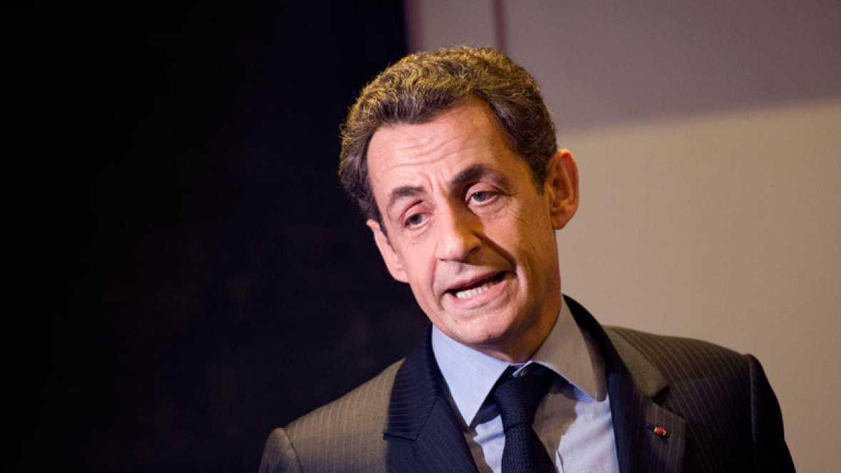 Los supuestos lazos con Gadafi complican la segunda vuelta a Nicolás Sarkozy