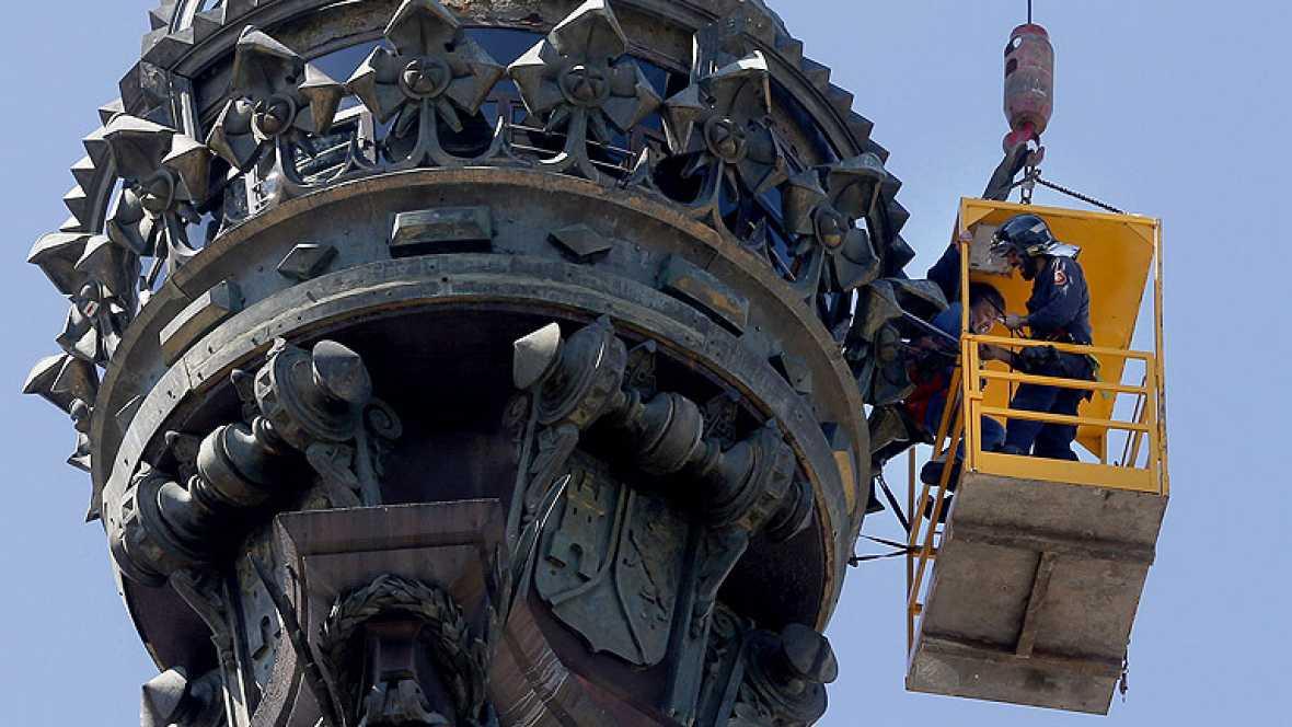 Seis turistas atrapados en el mirador del monumento a Colón en Barcelona