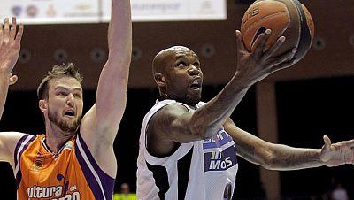 El Blusens Monbus ha logrado certificar la permanencia en la Liga Endesa tras una victoria merecida ante el Valencia Basket (76-62).