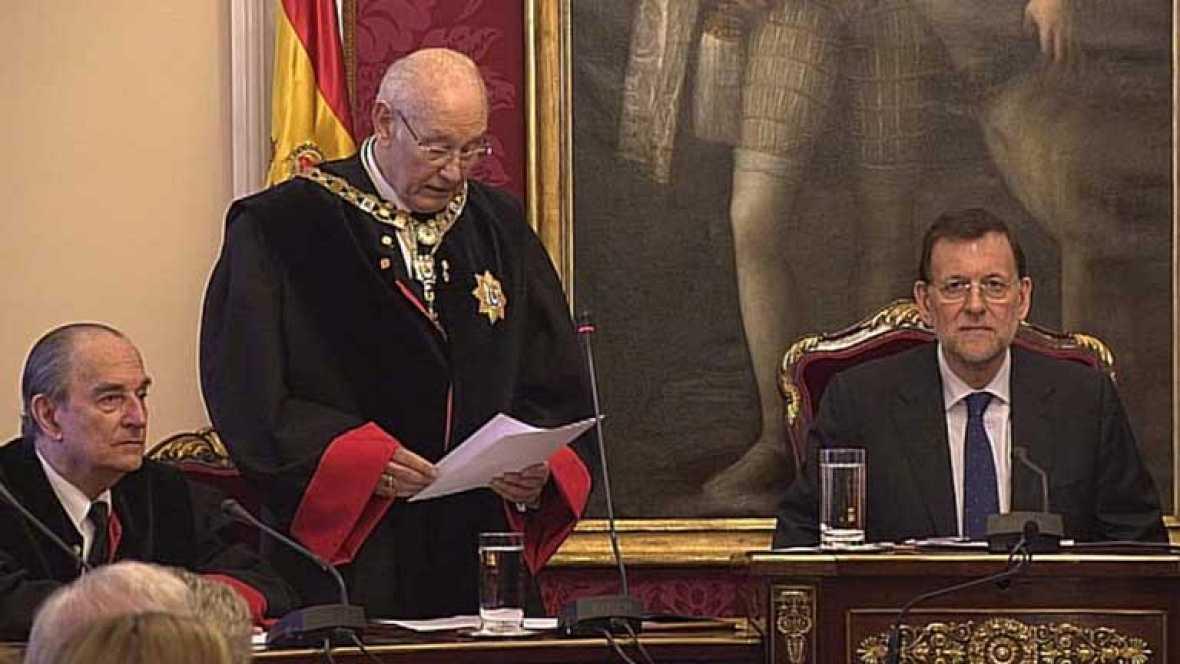 Rajoy descarta que se cobren nuevos peajes por el uso de las autovías
