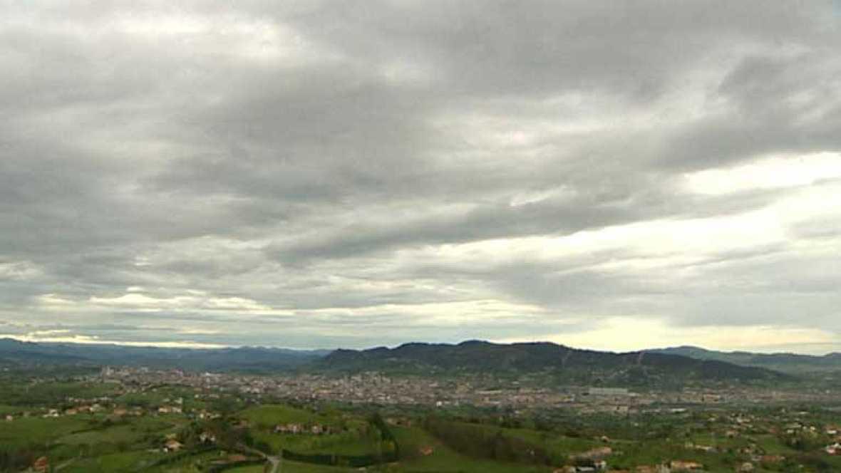 Nuboso con precipitaciones en Galicia, zona atlántica y Pirineos