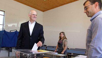 Los griegos votan el fin del bipartidismo