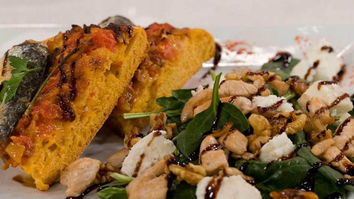 Pan de con sardinas y tomate con ensalada de espinacas templada