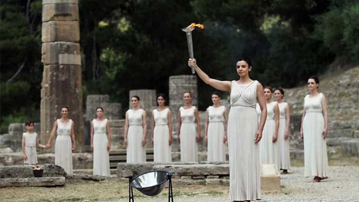 Londres en juego - Ceremonia de encendido de la antorcha olímpica - Ver ahora