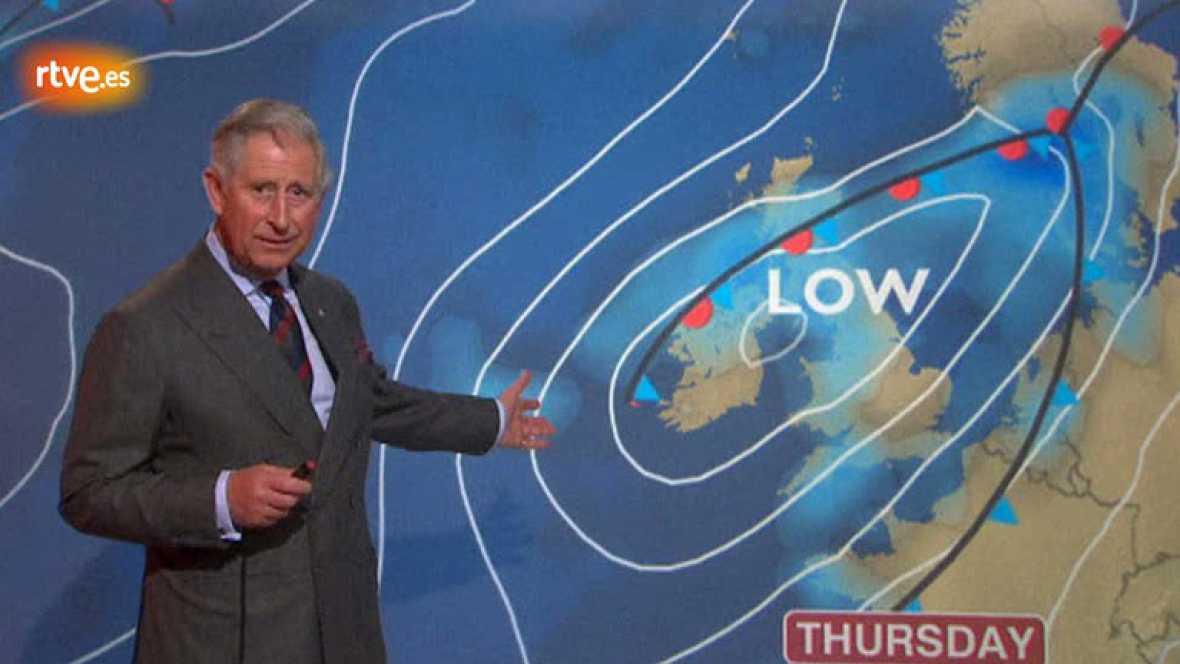 El príncipe Carlos ha aparecido en la BBC escocesa para dar la previsión meteorológica como parte de su visita de una semana a Escocia.
