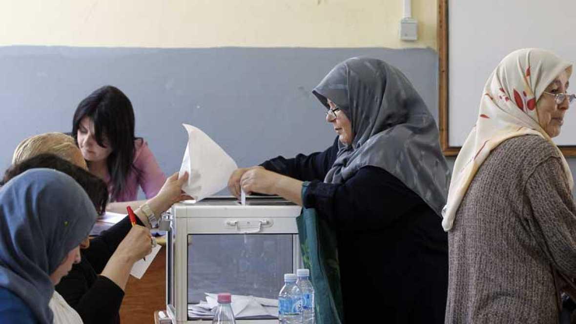 Escasa participación en las elecciones para renovar el Parlamento de Argelia