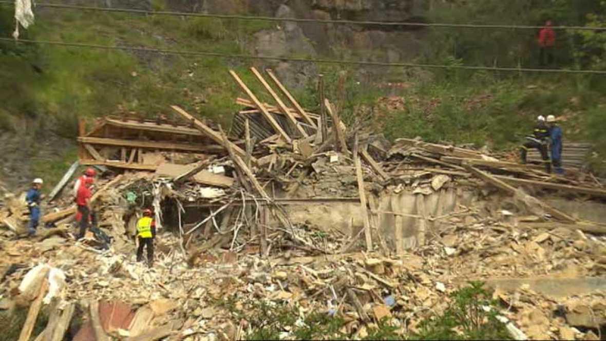 Una explosión de gas destruye un caserío