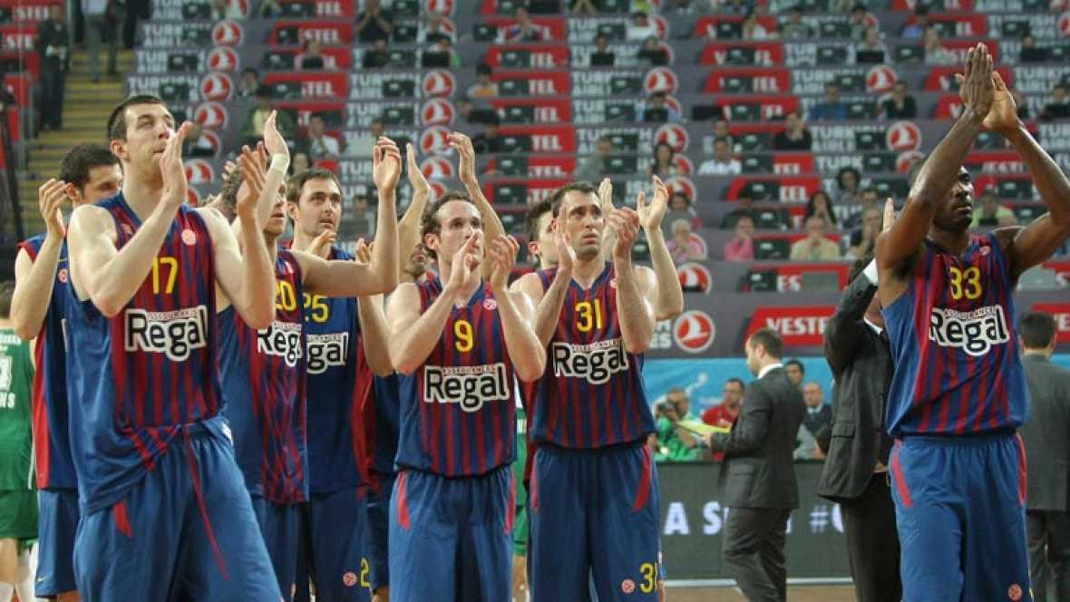 """El Barcelona Regal ganó la """"final de consolación"""" de la Euroliga al Panathinaikos griego (69-74), gracias a la exhibición inicial del base brasileño Marcelinho Huertas, que encarriló el encuentro para su equipo anotando 19 puntos en la primera parte."""