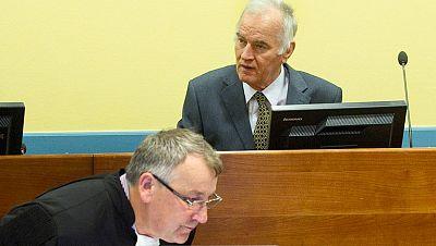 El serbio Ratko Mladic se sienta por fin en el banquillo del Tribunal para la antigua Yugoslavia