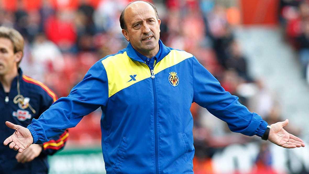 El hasta ahora entrenador del Villarreal ha anunciado su marcha en medio del ambiente revuelto que envuelve al Villarreal desde que se consumara su descenso a Segunda División.