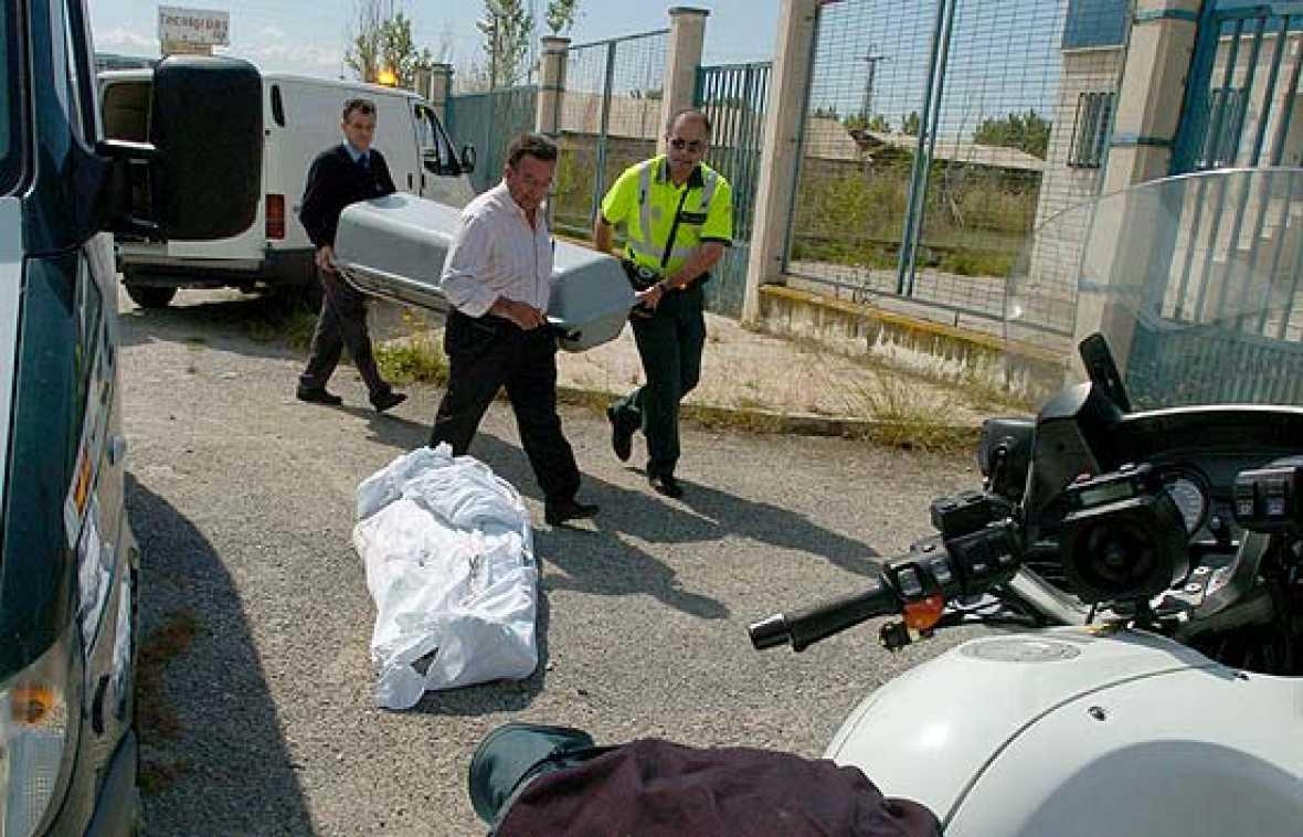 Los hechos se produjeron en la puerta de Mercagranada, cuando el fallecido iba a informar al conductor.