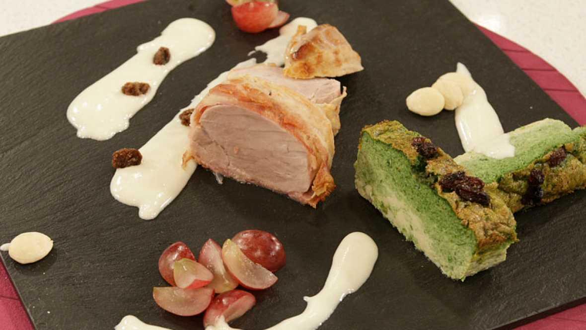 Solomillos de cerdo albardado con pastel de espinacas