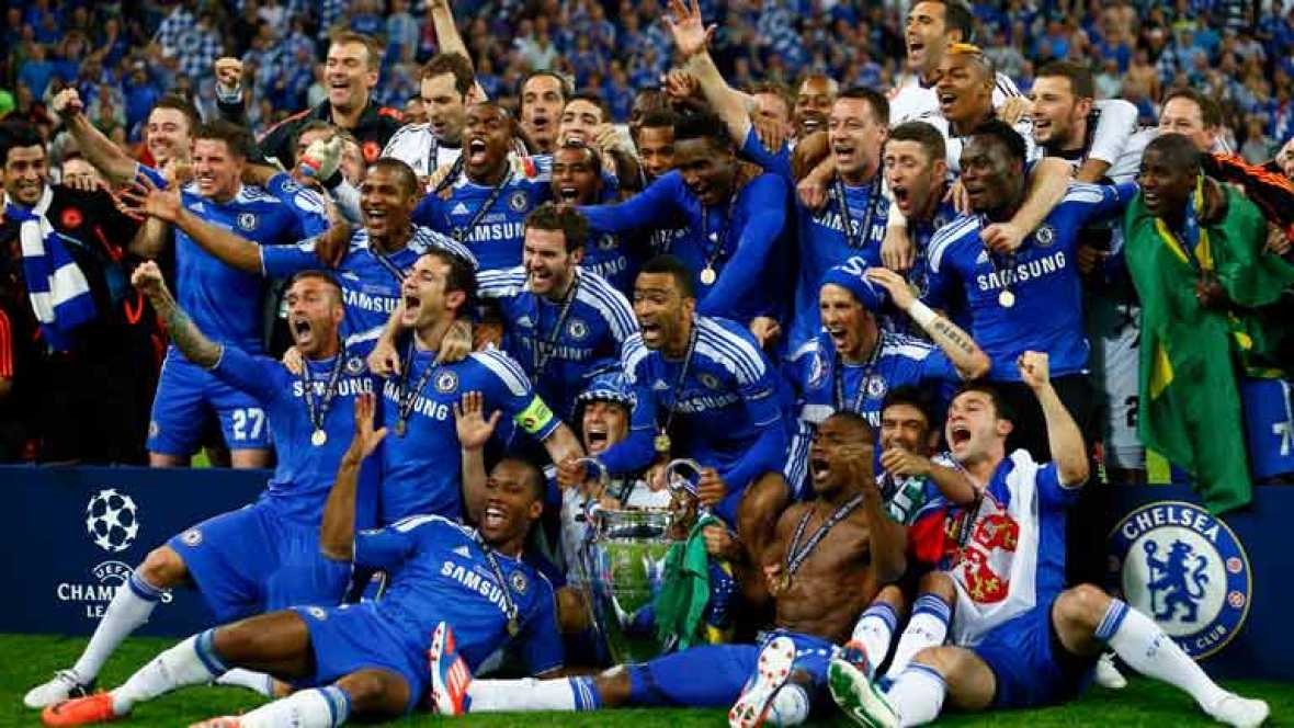 El Chelsea de Londres se ha proclamado vencedor de la Champions League en el Allianz Arena después de una tanda de penaltis emocionante en la que Drogba ha metido el penalti decisivo después de los fallos alemanes de Olic y Schweinsteiger.