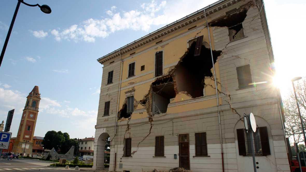 Cuatro muertos tras un terremoto de magnitud 5,9 en el norte de Italia