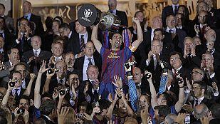 Xavi levanta la 26ª Copa del Barça