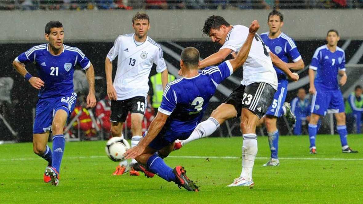 La selección alemana de fútbol consiguió vencer este jueves a  Israel (2-0) en un encuentro amistoso que sirvió a los de Joachim Low  como preparación para la próxima Eurocopa de Polonia y Ucrania y que  definieron los goles de Gómez y Schürrle