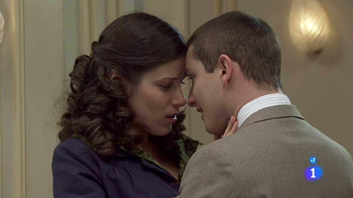 Amar - Estrella se lanza y besa apasionadamente a Miguel