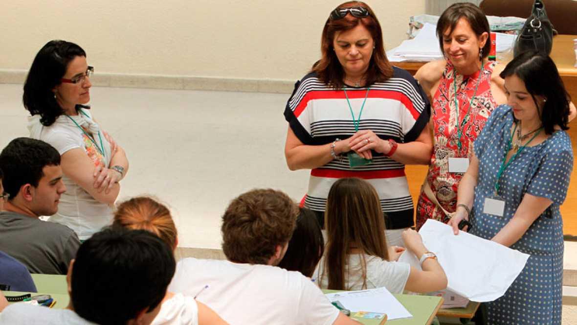 Casi 30.000 estudiantes madrileños aspiran a una de las 43.000 plazas universitarias en la Comunidad