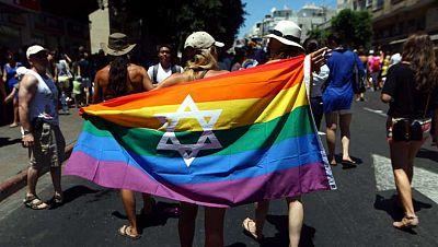 Multitudinario desfile del Orgullo Gay en Israel