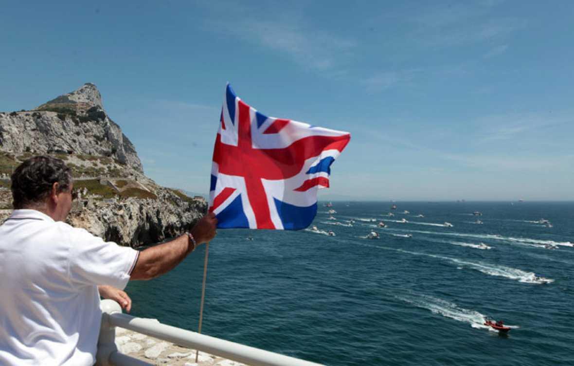 El príncipe Eduardo de Inglaterra visita Gibraltar en pleno conflicto pesquero con España