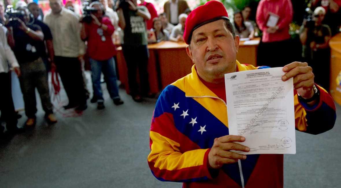 CHAVEZ PRESENTA SU CANDIDATURA PARA LAS ELECCIONES DEL 7 DE OCTUBRE