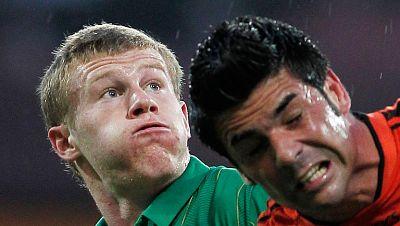 James McClean fue víctima de amenazas de muerte en Twitter tras su llamada a la selección de la República de Irlanda para la Eurocopa 2012, ya que la aceptación incluyó la negativa a jugar con Irlanda del Norte. El delantero entró en la lista de los
