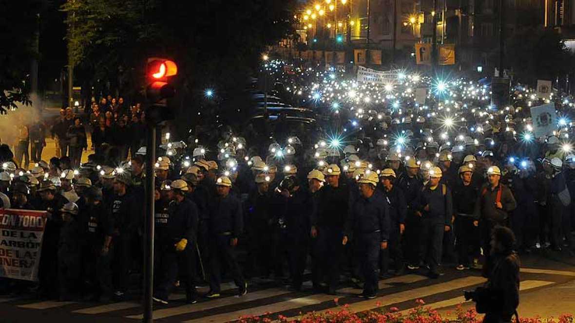 Miles de personas se manifiestan en León en apoyo a la minería del carbón