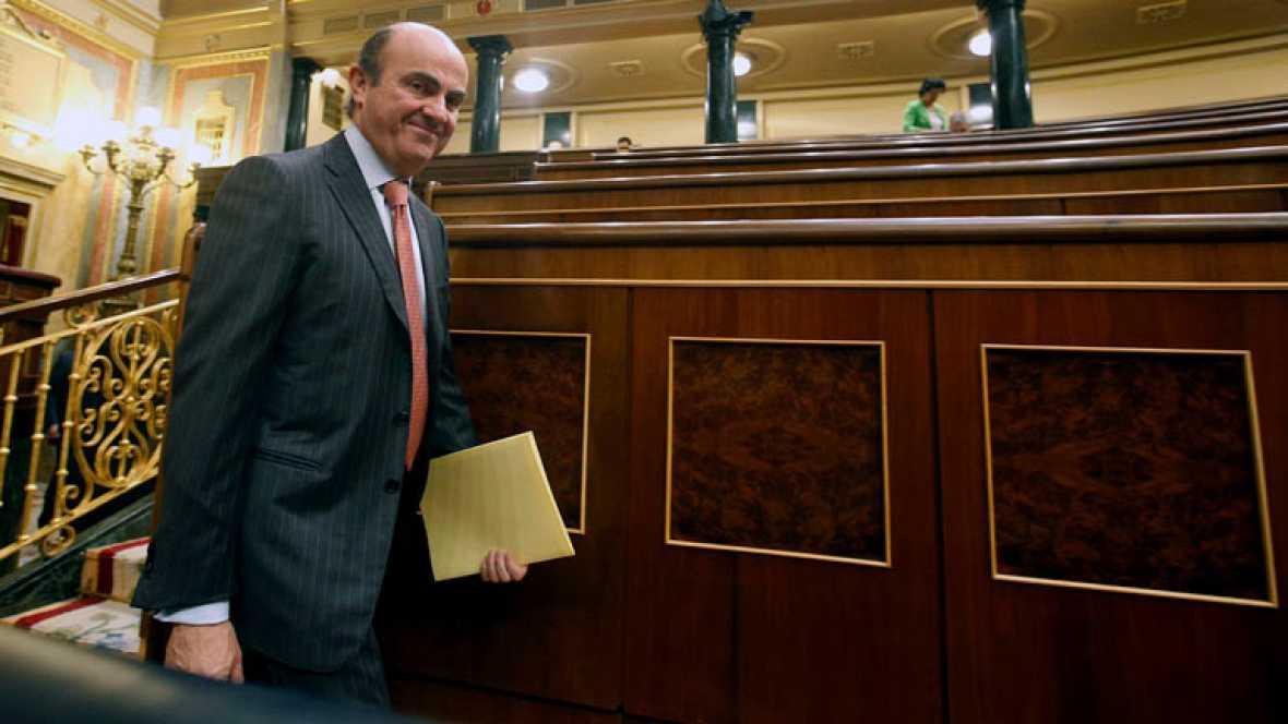 """De Guindos manda un """"mensaje de tranquilidad"""" y señala que España tiene el apoyo de Europa"""
