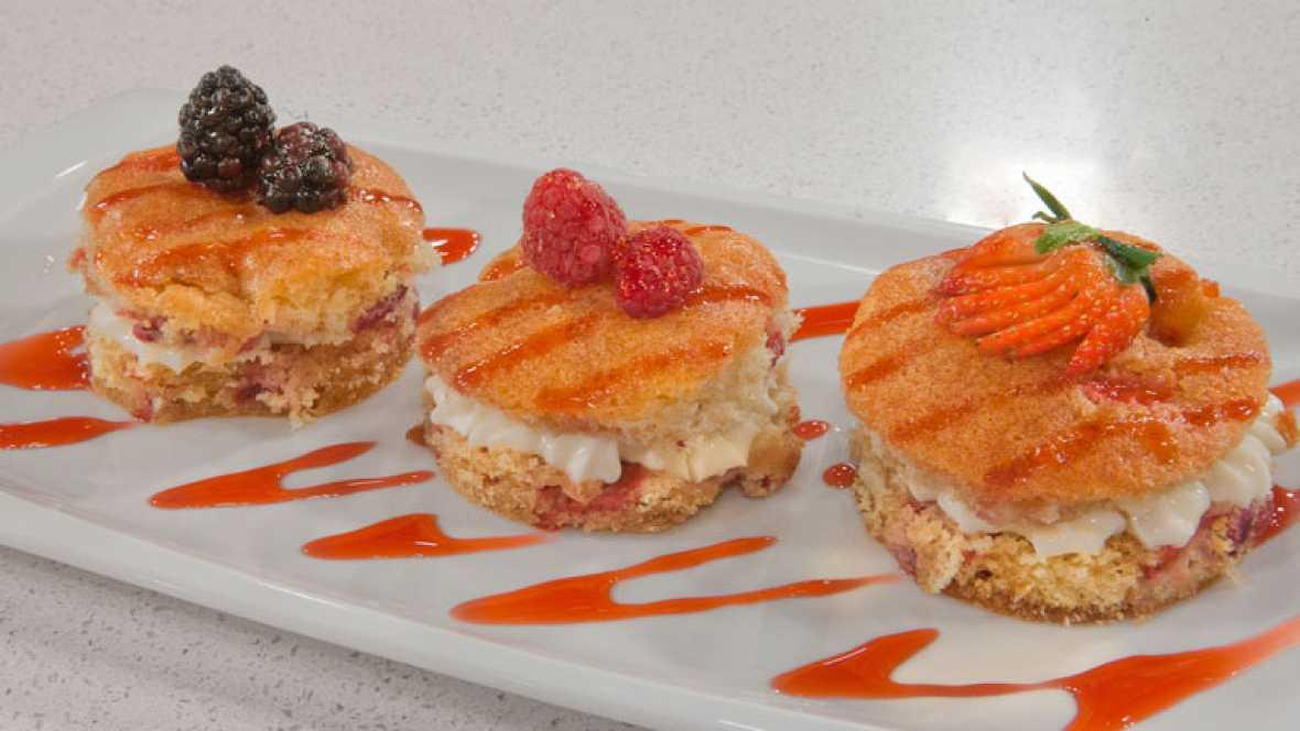 Pastelillos al pacharán y mermelada de cerezas
