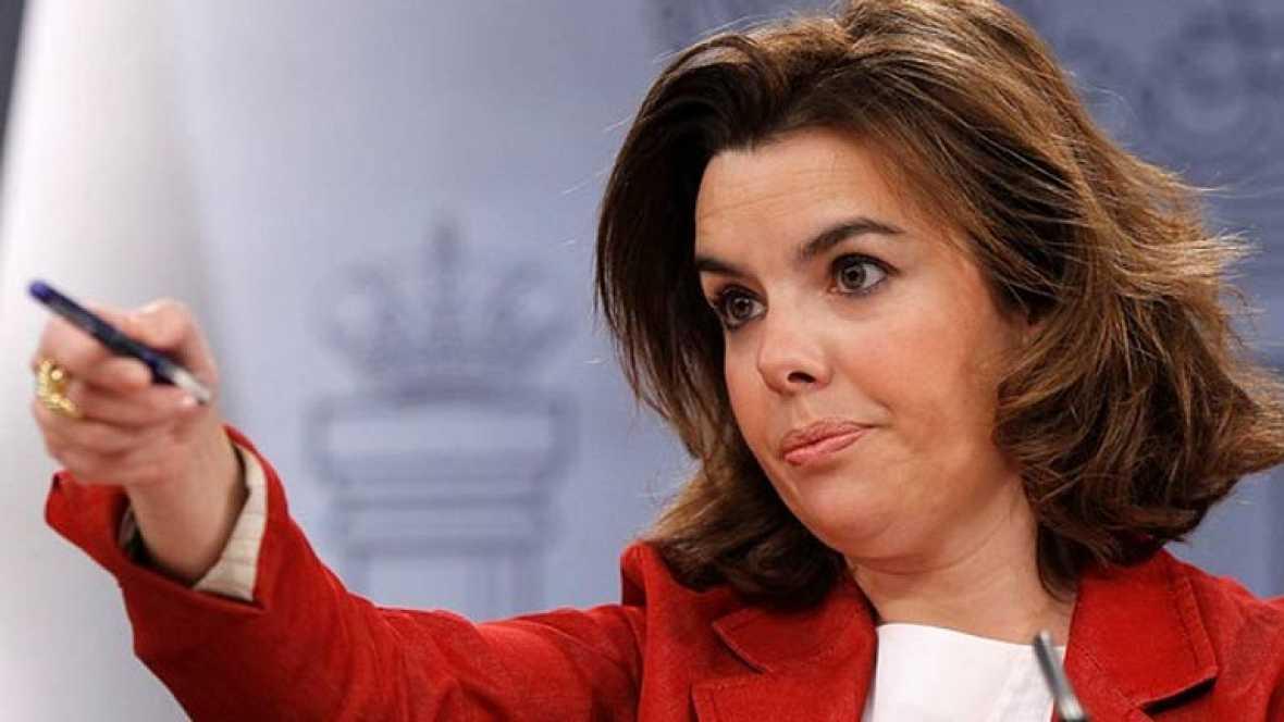 """Sáenz de Santamaría afirma que """"no hay que estar pendientes de la prima de riesgo"""""""