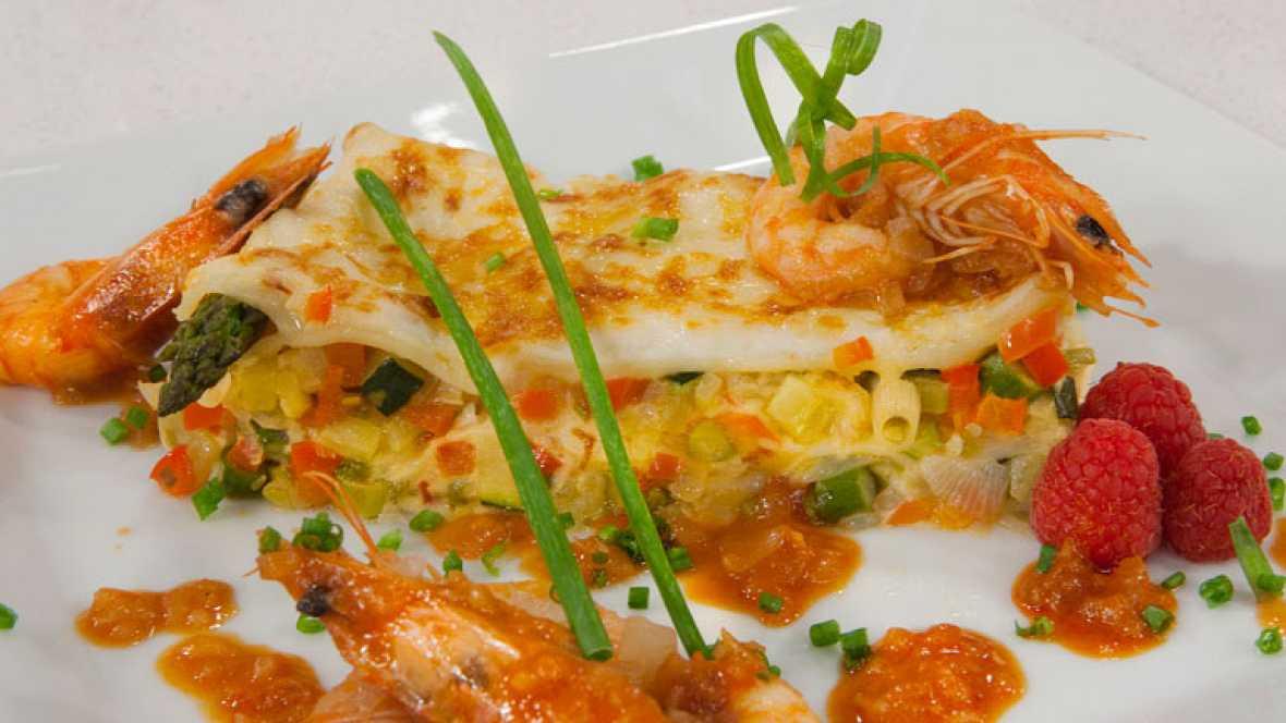 Lasaña  gratinada de verduras con langostinos