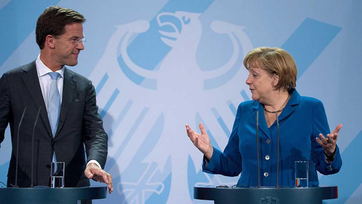 """Merkel: """"España presentará la solicitud para recapitalizar a su banca y la apoyaremos"""""""