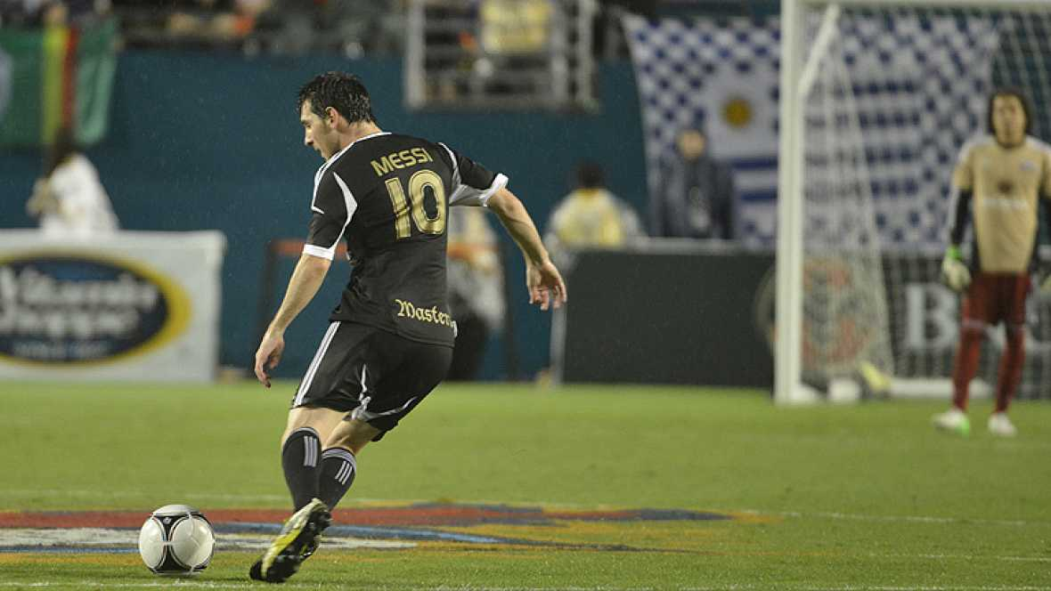 El jugador argentino del Barcelona ha celebrado su 25 cumpleaños con tres goles en un partido benéfico celebrado en Miami.