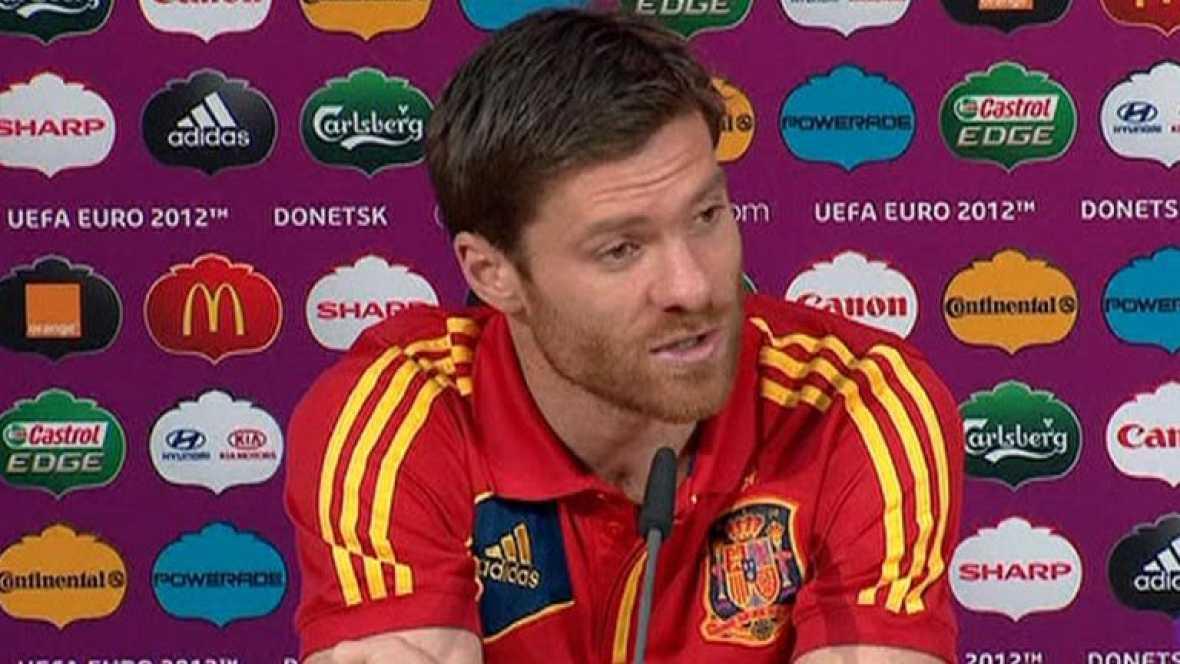 Tanto el centrocampista como el seleccionador, Vicente del Bosque, auguran una semifinal dura contra los portugueses.