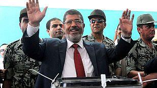 Morsi inicia consultas para lograr un consenso político en un Egipto dividido
