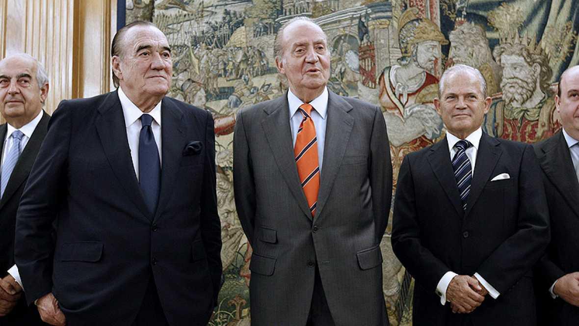 """Don Juan Carlos ha felicitado al conjunto español y a su seleccionador. Cuando hay """"un poquito de suerte"""" y se hacen las cosas """"bien, pues ganamos"""", ha dicho."""