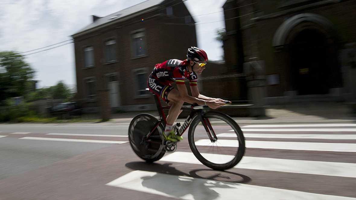El ciclista australiano Cadel Evans (BMC) y el británico Bradley  Wiggins (Sky) se presentan como los dos grandes favoritos a la  victoria final del Tour de Francia 2012, que da comienzo este sábado  en la localidad belga de Lieja y concluirá el 22 d