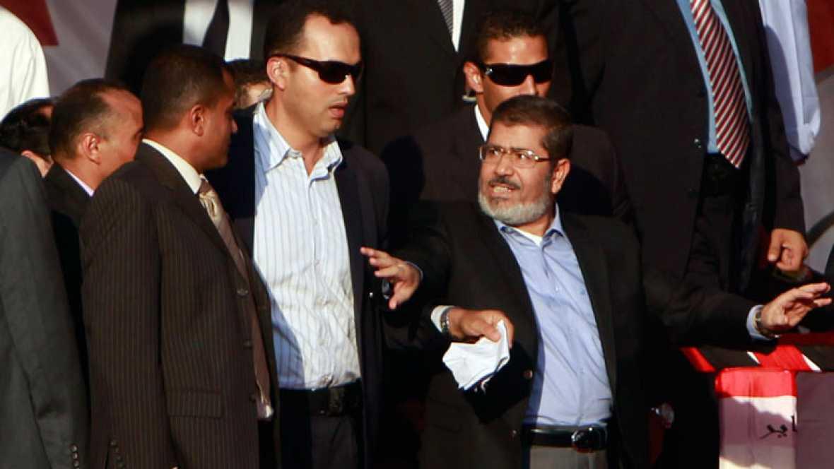 """Morsi, ante miles de seguidores en Tahrir: """"La revolución continúa"""""""