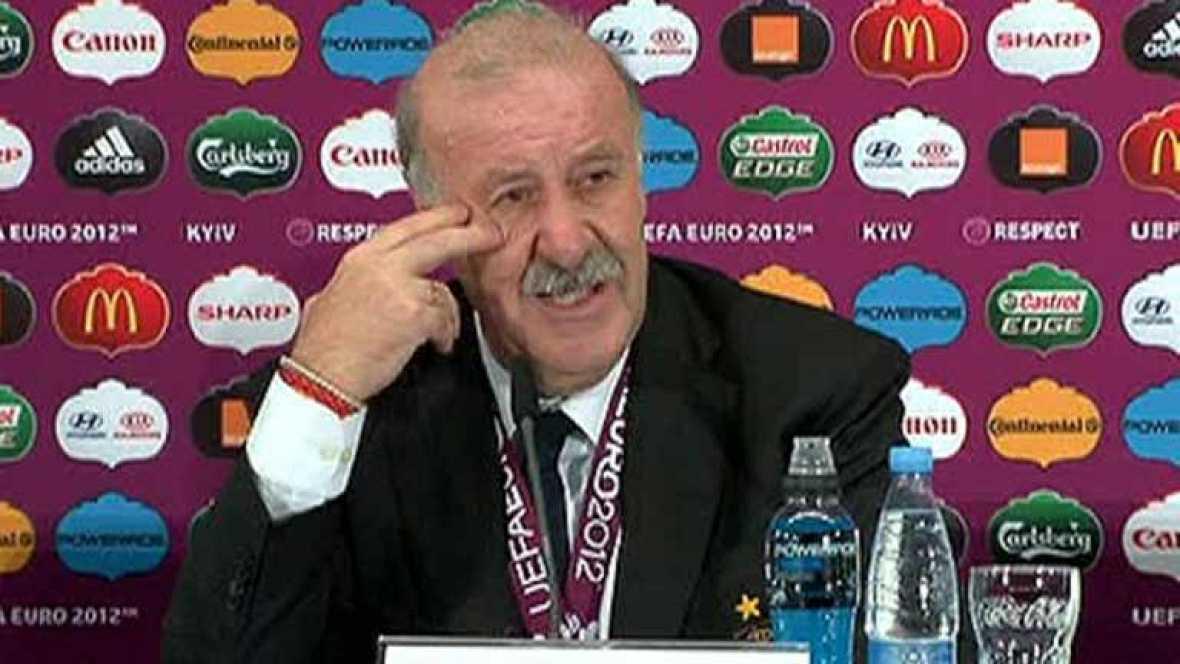 """Después de que España se proclamase campeona de la Eurocopa 2012, Vicente del Bosque, seleccionador español, ha destacado a sus jugadores, una """"generación de futbolistas muy buenos que representa el trabajo de un país que ha crecido"""", y ha dicho que"""