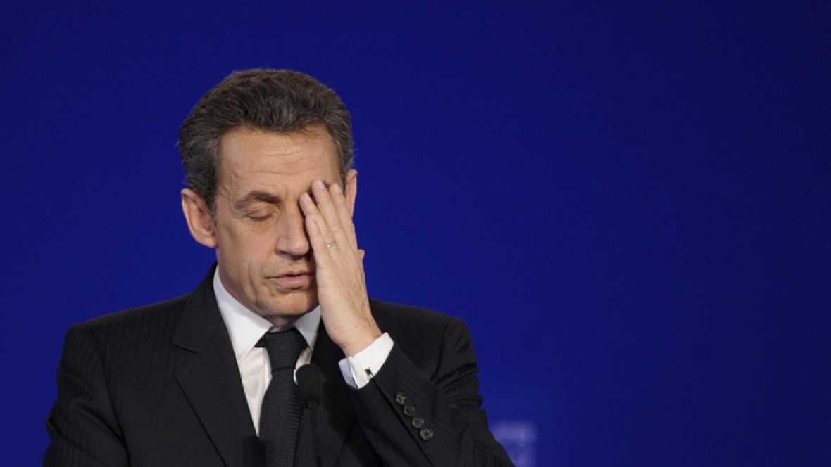Agentes de la brigada financiera de la Policía francesa y el juez de Burdeos Jean-Michel Gentil han registrado este martes por la mañana el domicilio de Nicolás Sarkozy y su esposa, Carla Bruni-Sarkozy, Villa Montmorency, en el centro de París.