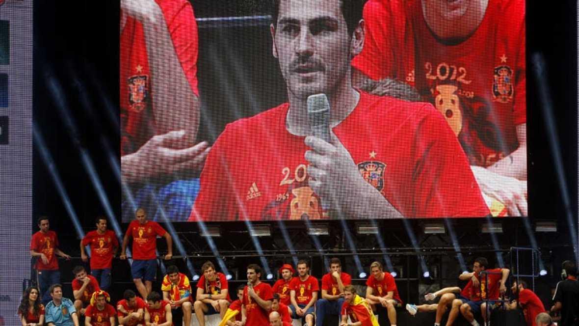 La selección española debería servir de inspiración para todos los ciudadanos europeos. Lo ha dicho la Comisión Europea de Educación Cultura y Deporte, que ha señalado que el estilo de juego de España es el más impresionante de la época moderna. Adem