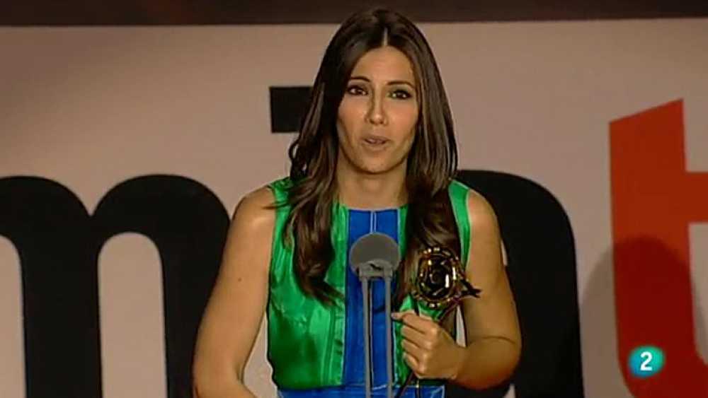 La periodista Ana Pastor, presentadora de 'Los desayunos de TVE', ha conseguido el Premio Iris 2012 de la Academia de TV a la mejor presentadora de informativos.