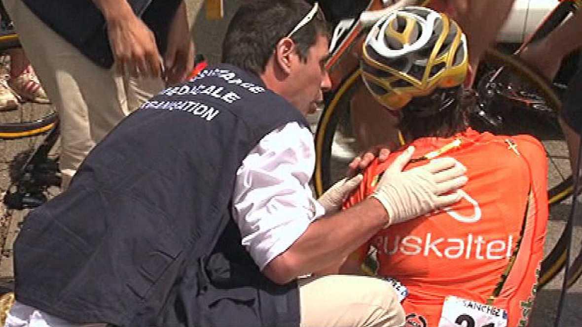 El español Samuel Sánchez (Euskaltel Euskadi) se ha visto obligado a retirarse del Tour de Francia al sufrir una caída en el transcurso de la octava etapa que se disputa entre Belfort y la localidad suiza de Porrentruy. El campeón olímpico cayó a 100
