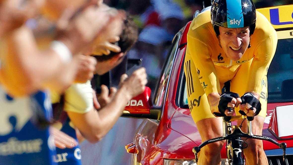 El británico Bradley Wiggins (Sky) ganó la contrarreloj de 41,5 kilómetros de la novena etapa del Tour 2012, con lo que afianzó su liderato en la general con casi dos minutos sobre el segundo clasificado, el australiano Cadel Evans (BMC). El primer t