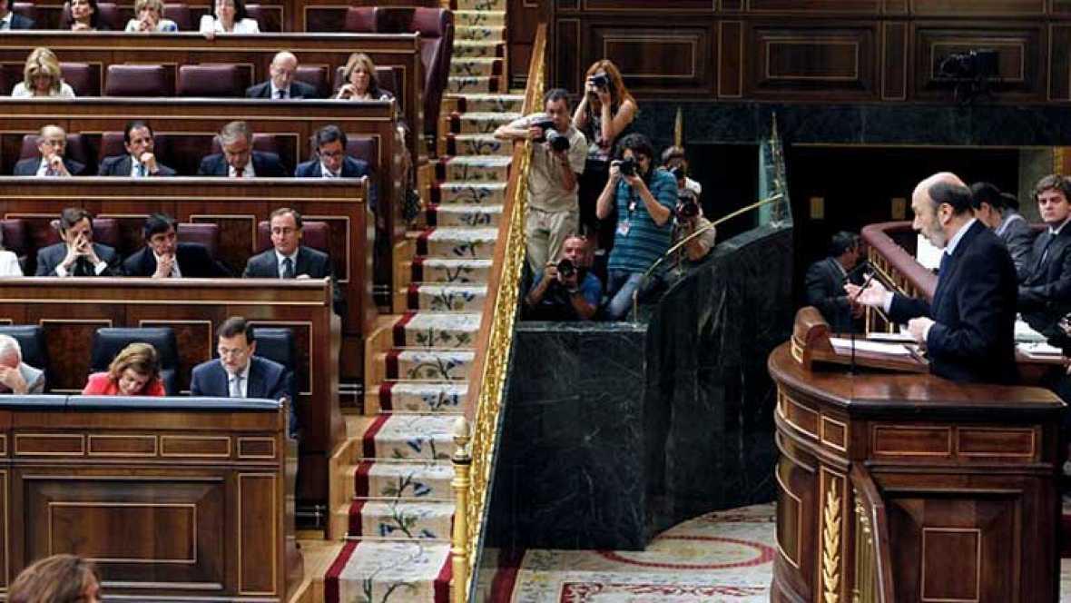 Rubalcaba propone al Gobierno un gran pacto de estado para luchar contra la crisis