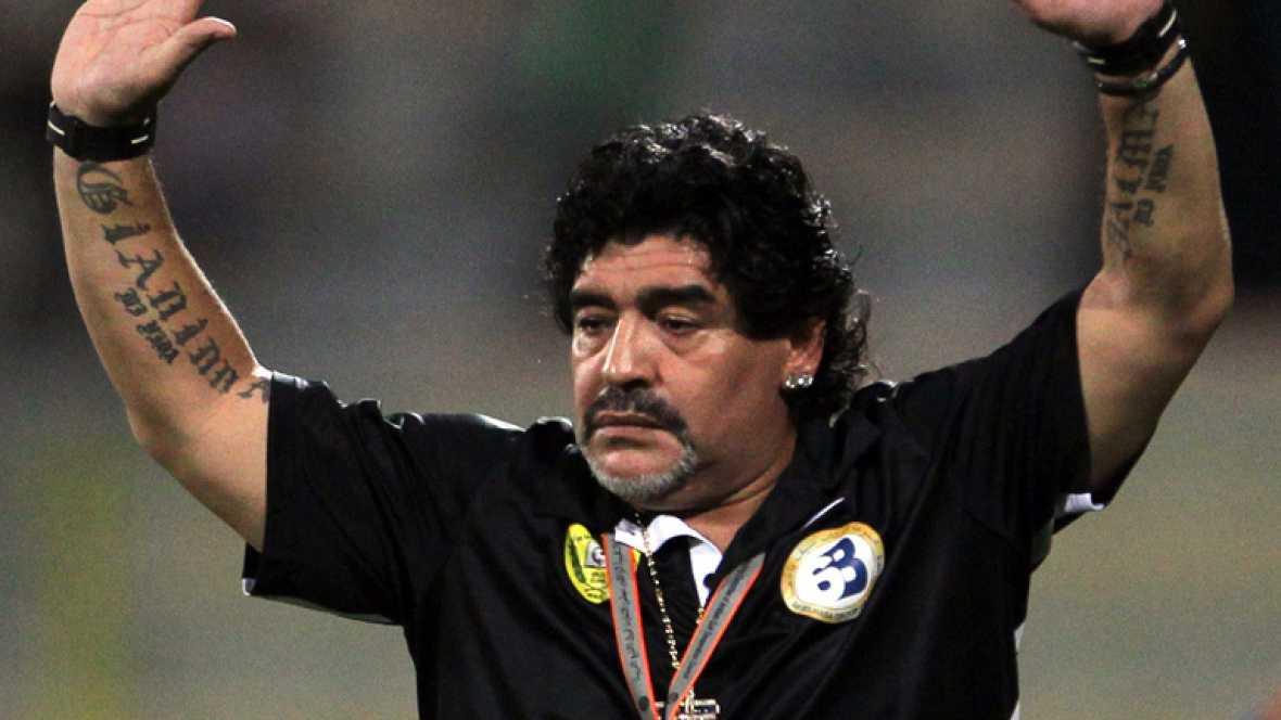 Maradona, destituído como técnico del As-Wasl