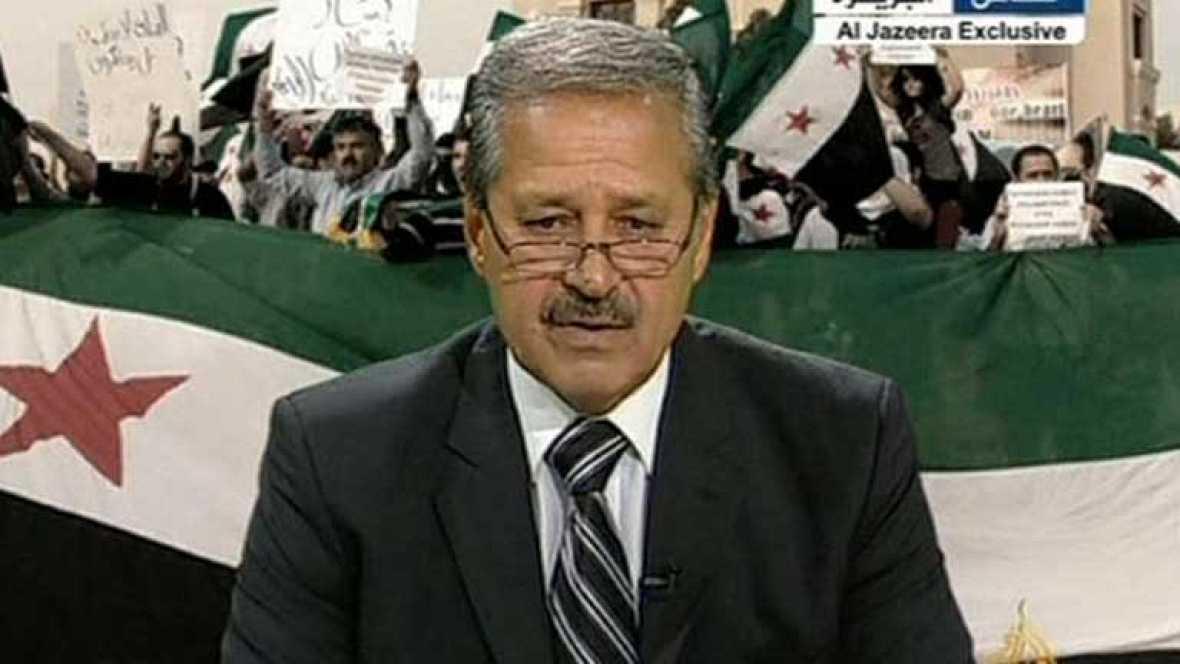 """Diplomático desertor sirio llama al ejército para unirse a la """"revolución"""""""