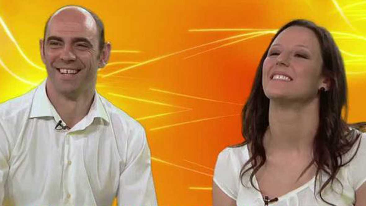 Los jugadores de balonmano José Javier Hombrados y Macarena Aguilar responden a 12 preguntas sobre balonmano, deporte con el que representarán a España en los Juegos Olímpicos de Londres 2012.