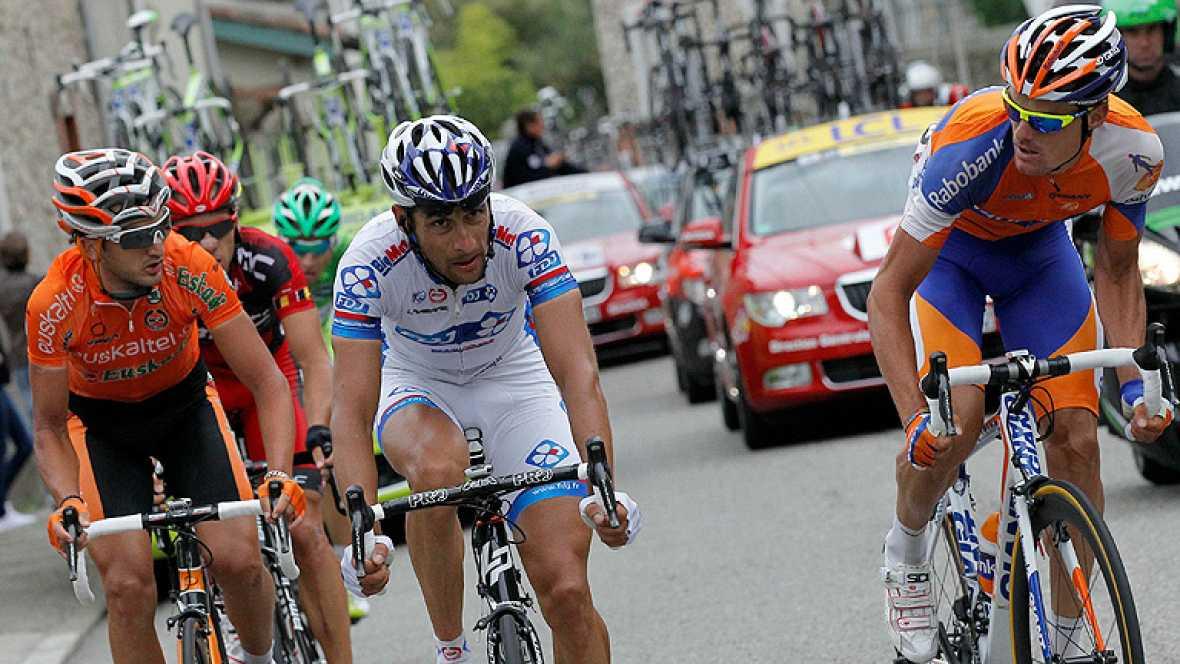 El español Luis León Sánchez consiguió hoy la primera victoria española en el Tour 2012 al imponerse en la decimocuarta, la primera pirenaica, disputada entre Limoux y Foix sobre un trayecto de 191 kilómetros en el que invirtió un tiempo de 4h50:29.